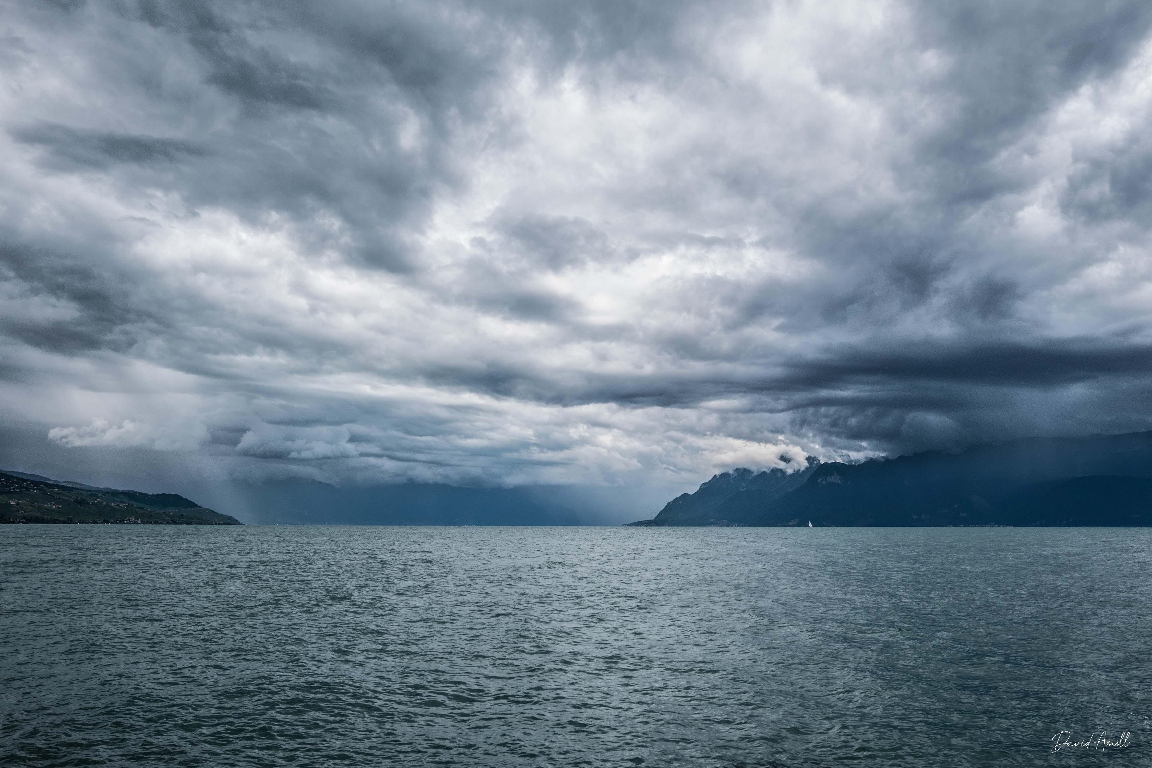 lausanne nuages lac leman